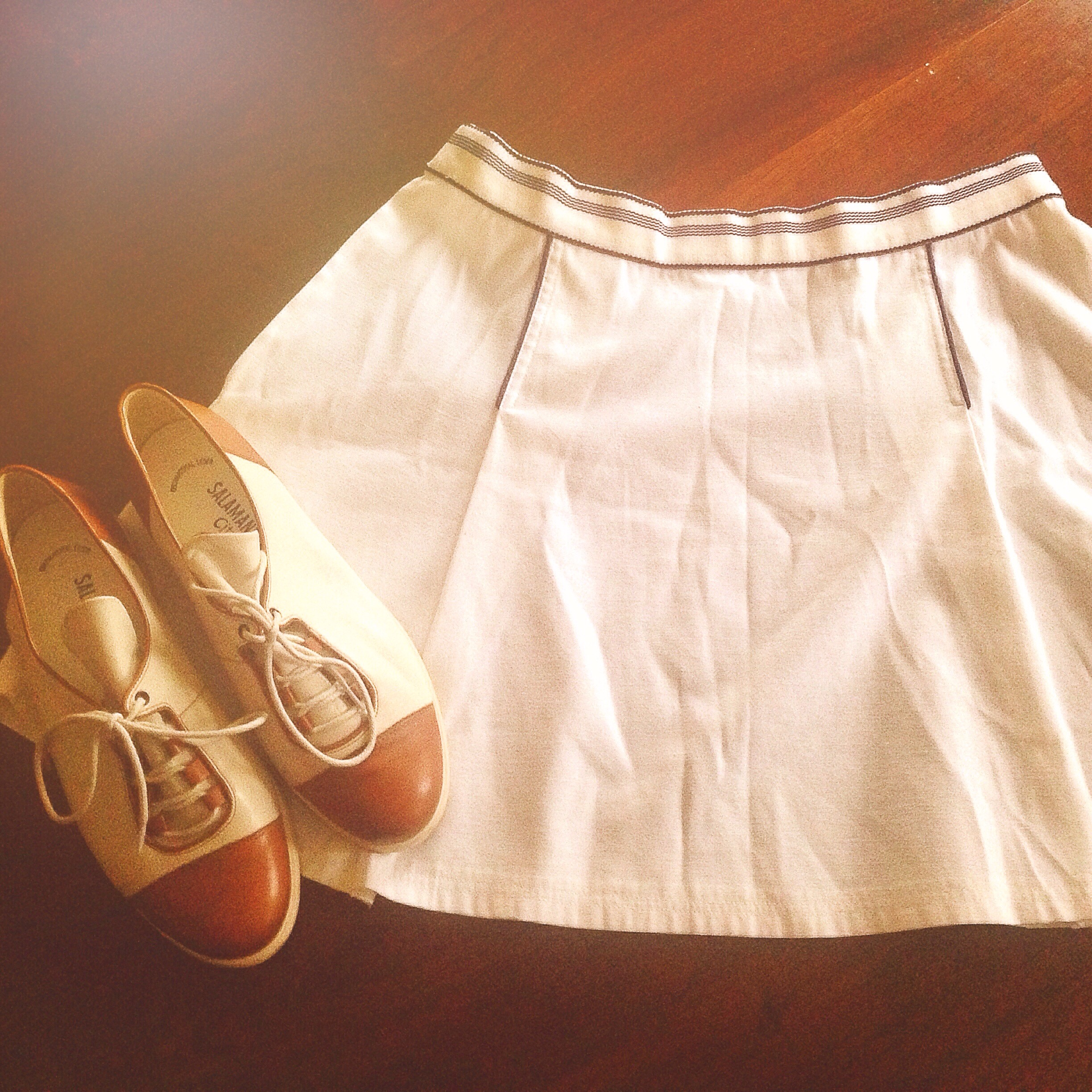 vintage brogues and white skirt from blackbird vintage in berlin