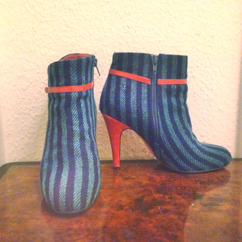 edith & Ella blue boots