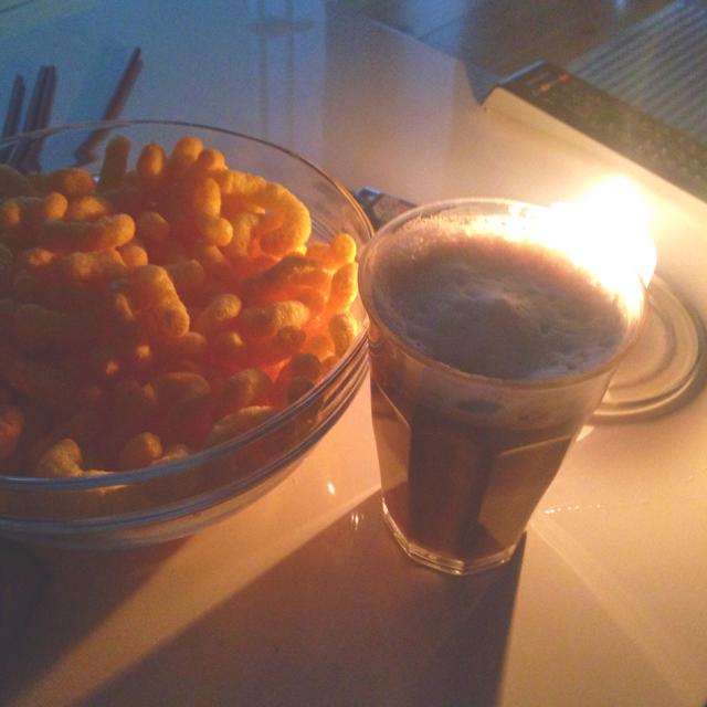 ostepops og kaffe