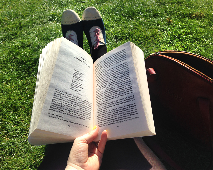 reading lola ramona