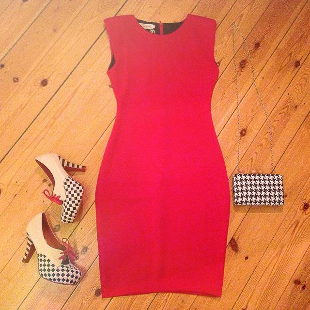 red dress lola ramona